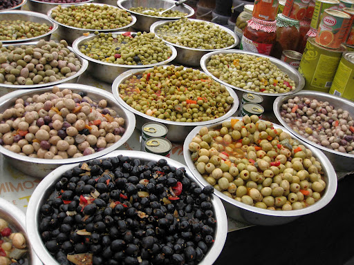 Оливки Италии на ярмарке 2