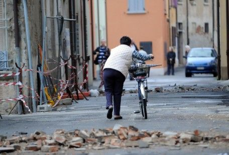 Zemlyatraseniye v Emilii 9