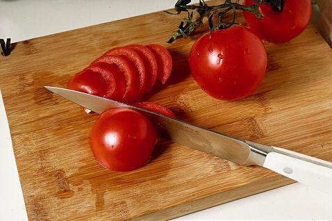 Salat s soey i pomidorami 1