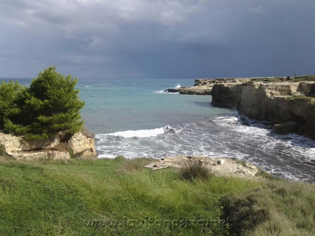 Grot poesii v Roca, Salento, Puglia, Italia