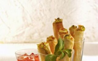 Трубочки с авокадо и креветками