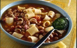Суп с пастой, фасолью и песто