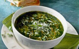 Суп с рисом и шпинатом