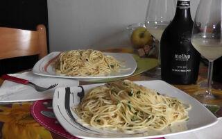 Видео: Спагетти Aglio, Olio, Peperoncino – Самый популярный рецепт Италии