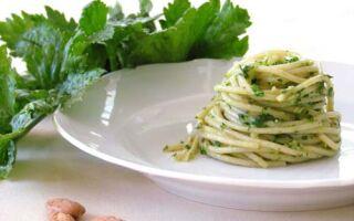 Спагетти с соусом из сельдерея
