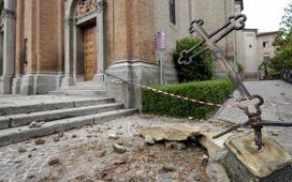 Новые волны землетрясений в Италии