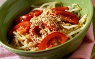 Салат с соей и помидорами
