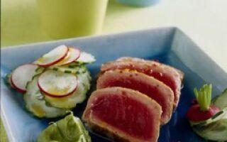 Нарезка из тунца и овощей