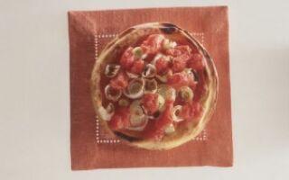 Острая пицца с помидорами