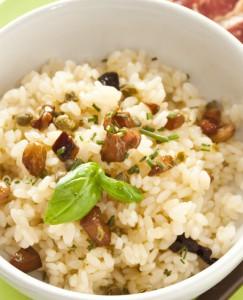 рис с каперсами и тунцом