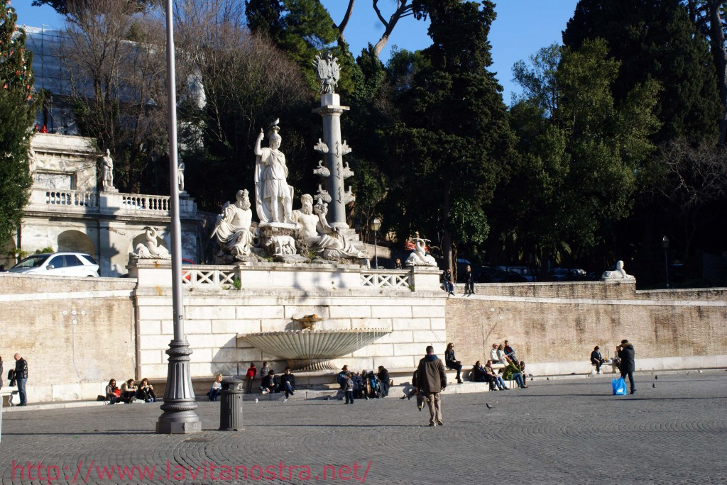 Площадь Пополо в Риме Фонтан Богов Рима