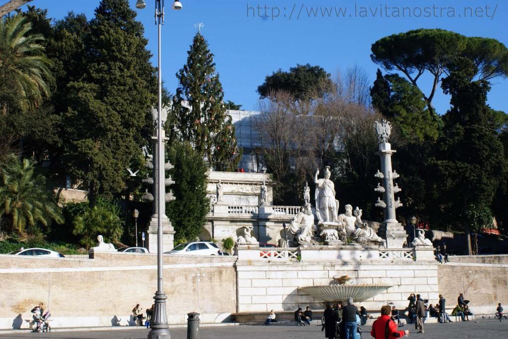 Площадь Пополо в Риме Фонтан Богов Рима 3