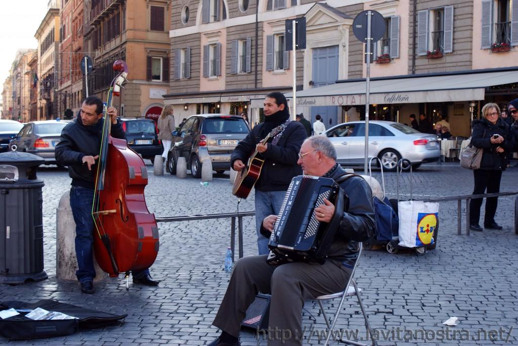 Площадь Пополо в Риме 12