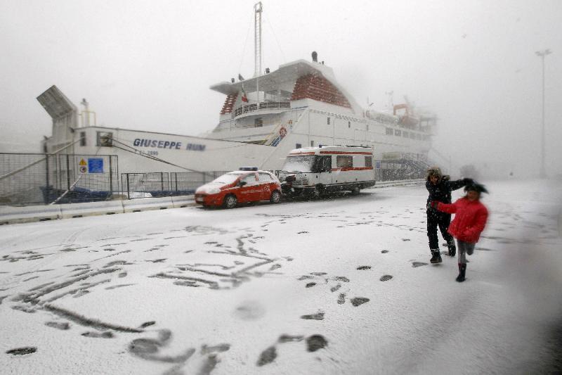 остров Джильо под снегом 2