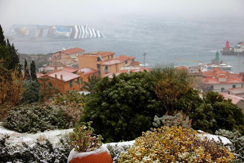 остров Джильо под снегом 3