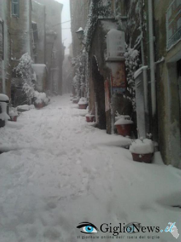 остров Джильо под снегом 6