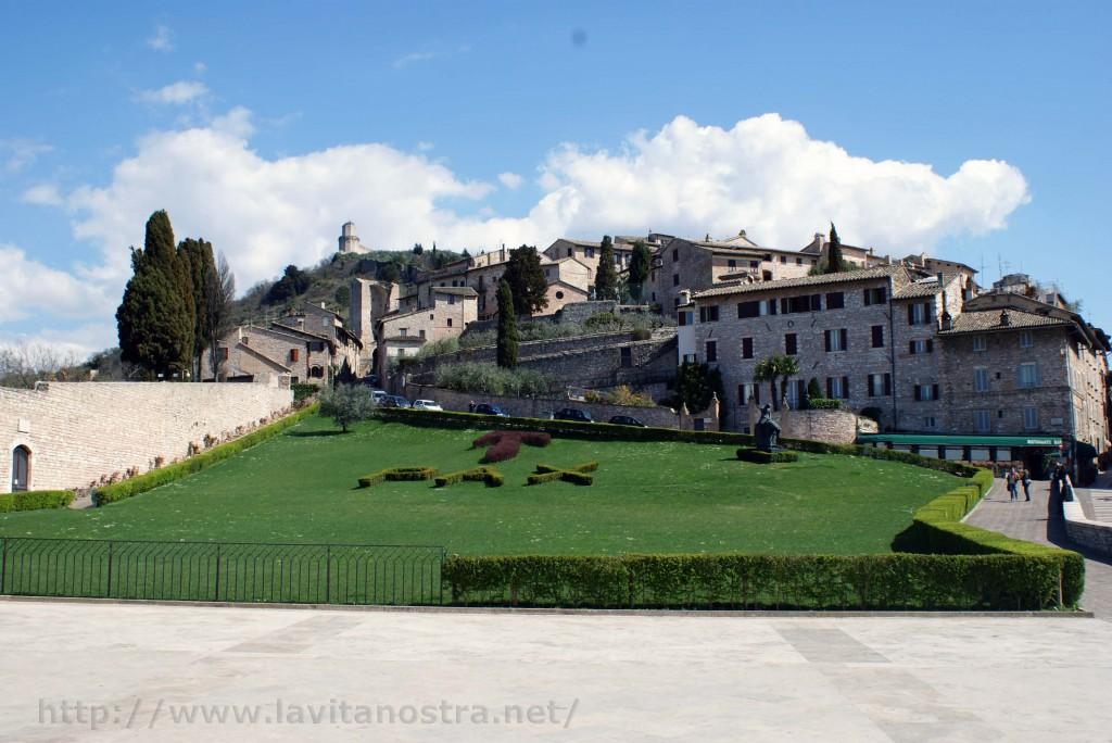 Basilica San Francesco Assisi 11