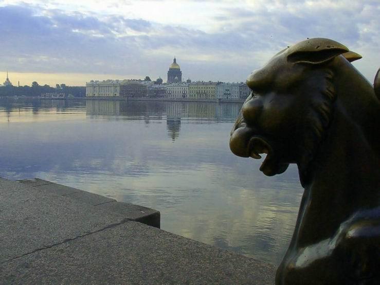 Peterburg beliye nochi