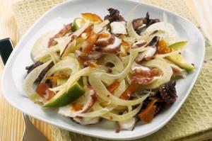 Salat s osminogom i fenhelem