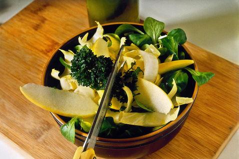 Salat belo-zeleniy 4