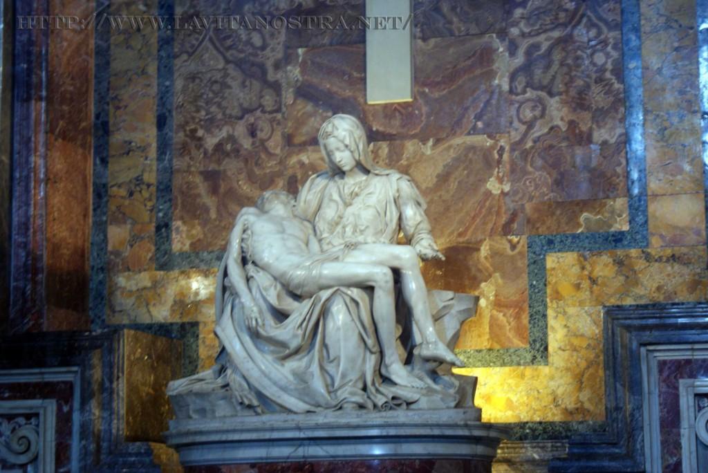 Pieta - Oplakivaniye Hrista Mikelangelo