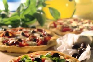 Pizza classicheskaya s olivkami