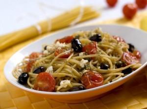 Spaghetti-po-bistromu-prigotovleniye-3