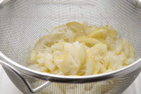 Limonnoye-varenye-prigotovleniye-2