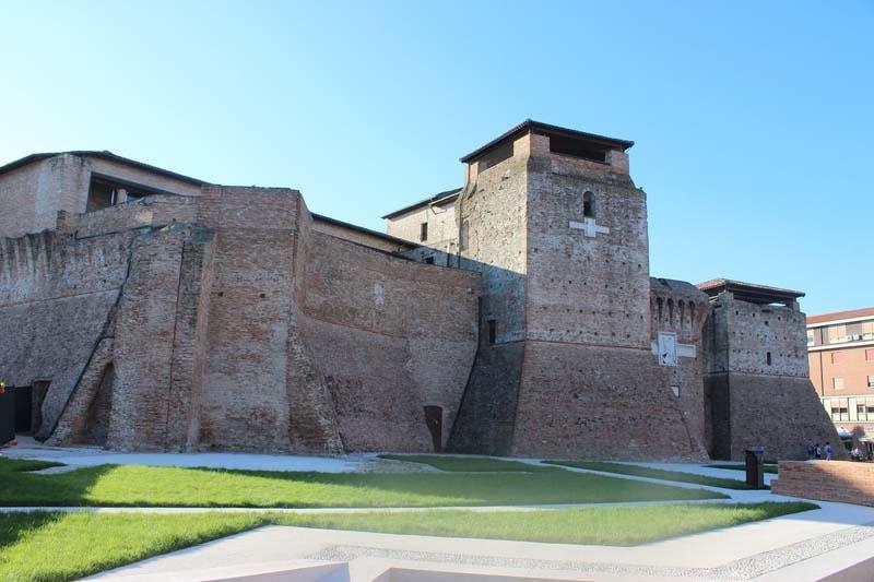 ekskursii-iz-rimini-po-italii